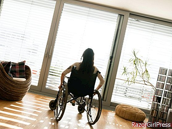 A woman defenestrated by her spouse and paraplegic considered partly responsible