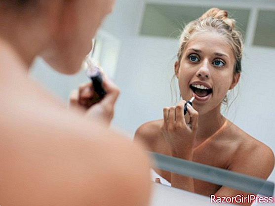 5 mistakes we all make when putting on make-up