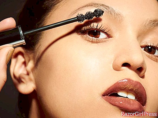 5 ways to apply mascara that will make a difference