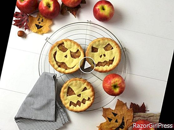 Apple tarts for Halloween with Pink Lady