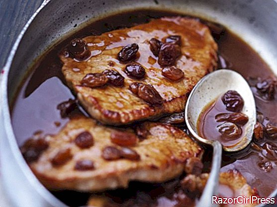 Veal cutlet in sweet and sour sauce with raisins