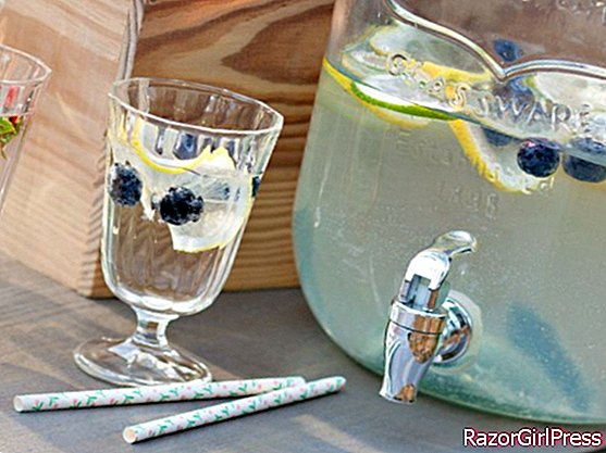Duo of non-alcoholic cocktails