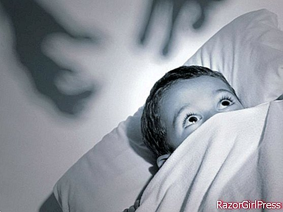 He is afraid of the dark, how to help him?