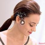 Vidéo - Express Holiday Hairstyle: The Glittery Ponytail